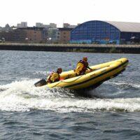 RC mentőhajó